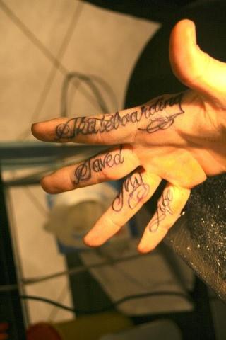 Tatouage Doigt Page 1 Toutes Vos Questions Sur Le Tatouage Arte