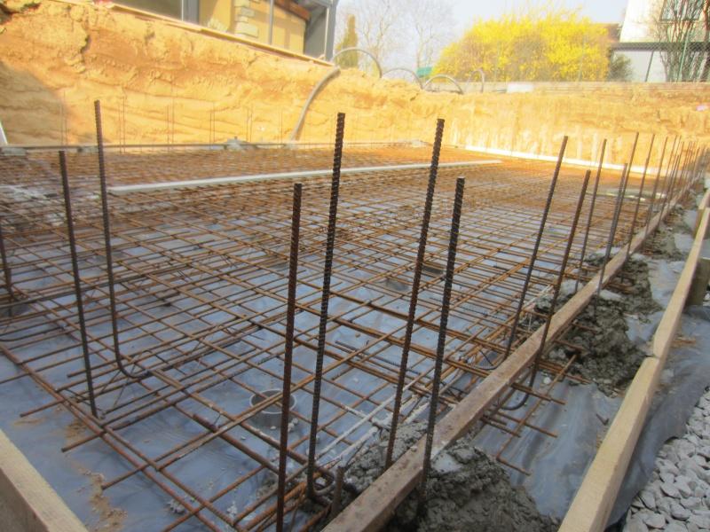 Autoconstruction 9x4 bloc bancher piscines r alisations for Construction piscine bloc a bancher