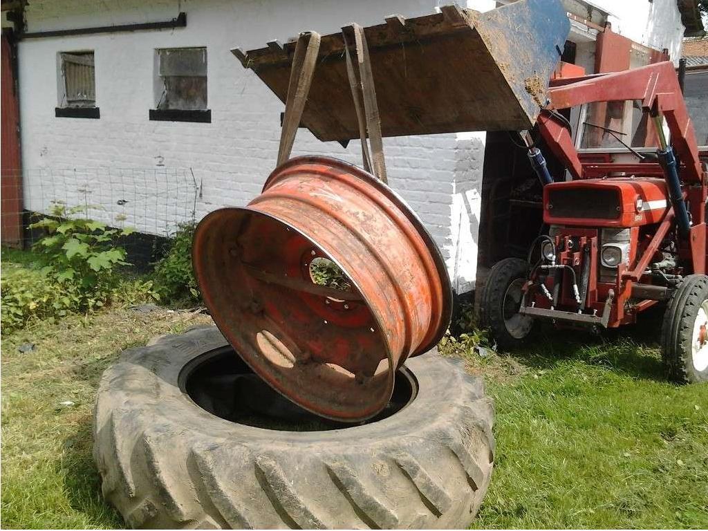 pneu tracteur vendeuvre. Black Bedroom Furniture Sets. Home Design Ideas