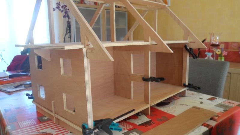 Construction d 39 une maison de poup e for Acheter une maison en bois