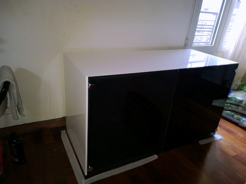 reportage photo construction meuble aquarium page 2. Black Bedroom Furniture Sets. Home Design Ideas