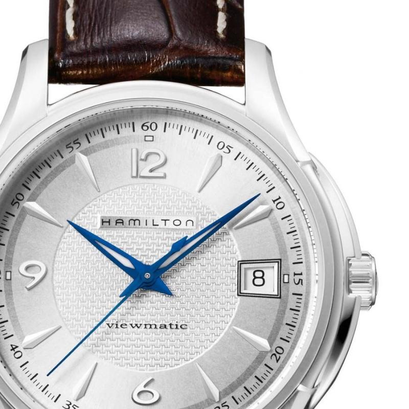 choix d 39 une montre avec cadran blanc et aiguilles bleues. Black Bedroom Furniture Sets. Home Design Ideas