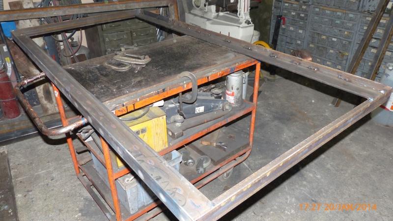 Fabrication d 39 une table de soudure l vatrice - Table verin hydraulique ...