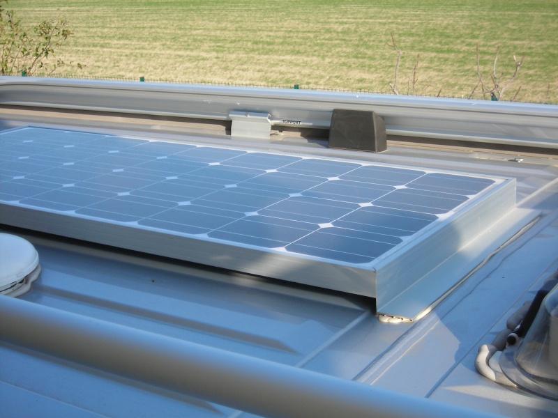 Pannello Solare Per Furgone : Montage panneau solaire