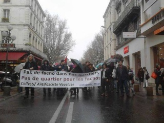 A Avignon aussi, les slogans antifascistes ont résonné malgré une pluie battante !