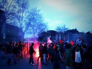 Grosse ambiance lutte des classes à Rimini, pour les quelques centaines d'antifascistes présents
