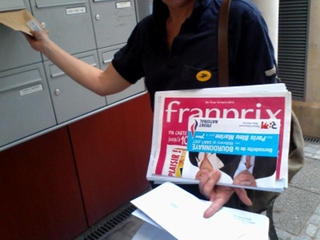La poste ordonne à ses employés de faire la propagande du FN (photo sud PTT)