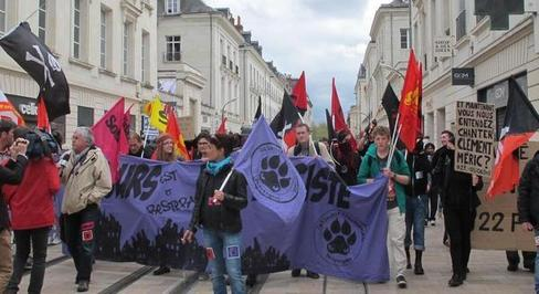 La manifestation antifasciste à Tours, le 6 avril