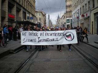 Une centaine de personne a défilé derrière la banderole du Bloc AntiFasciste de Nancy