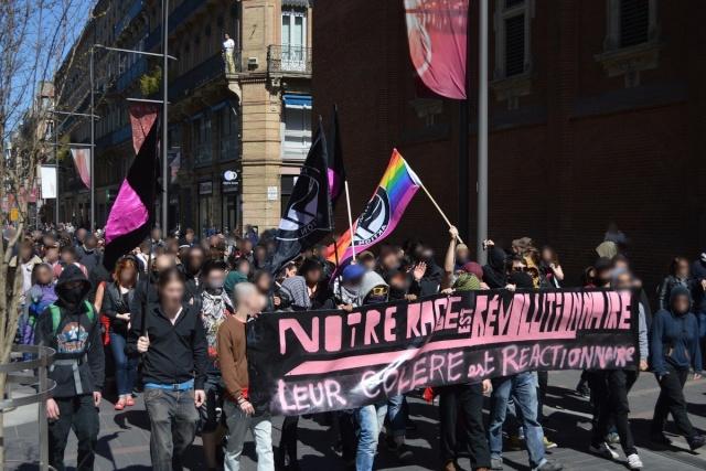 Le cortège antifasciste à Toulouse