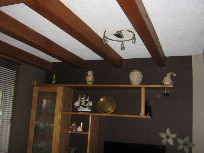 Conseil d co salle a manger avec poutres - Quel papier peint avec meuble merisier ...