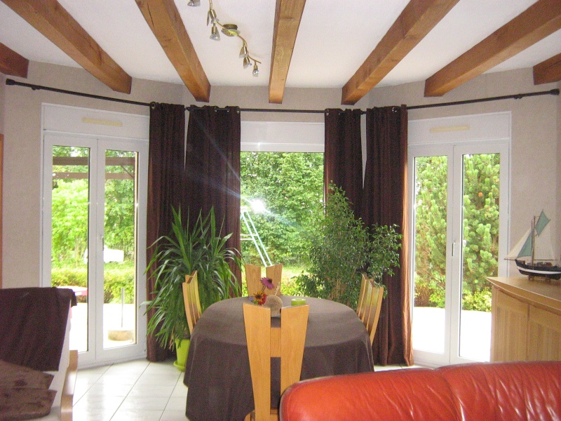 Conseil d co salle a manger avec poutres - Eclairage plafond avec poutres ...