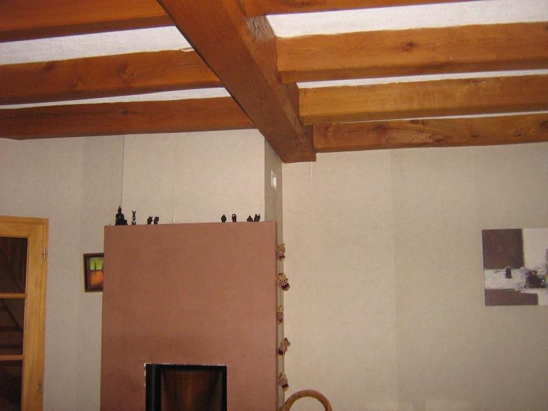 Conseil d co salle a manger avec poutres for Fond plafond salon