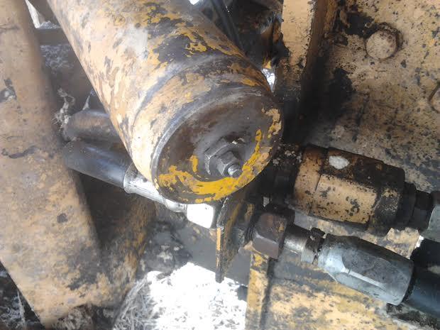 Comment demonter un verin hydraulique simple effet